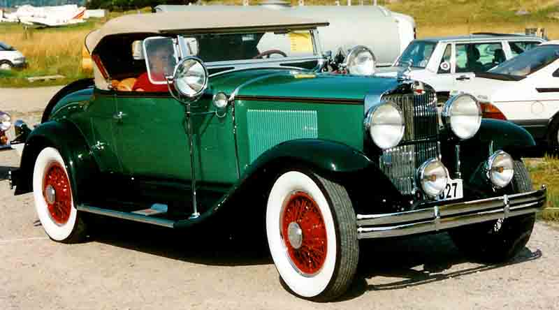 Graham-Paige_Model_827_Roadster_1929